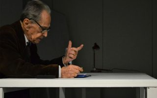 Ο αρχιτέκτων καθηγητής Διονύσης Ζήβας σε εκδήλωση στο Πανεπιστήμιο Πατρών. Υπήρξε μία σημαντική φωνή στον χώρο της αρχιτεκτονικής.