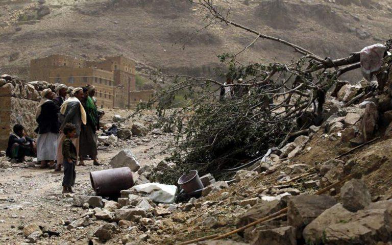 yemeni-toylachiston-exi-stelechi-toy-kyvernitikoy-stratoy-skotothikan-kata-lathos-se-aeroporiki-epidromi-2235727