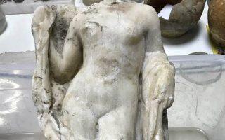 akefalo-agalma-tis-afroditis-vrethike-sto-metro-thessalonikis0