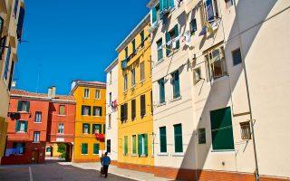 Η πολύχρωμη γειτονιά Baia del Re στο Καναρέτζιο. (Φωτογραφία:© VISUALHELLAS.GR)