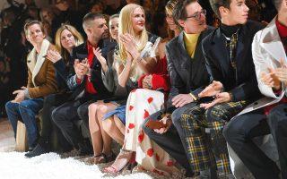 Με ποπ κορν έντυσε την πασαρέλα του Calvin Klein, o Raf Simons.