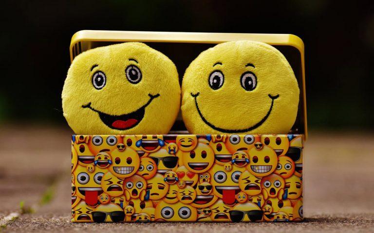 erchontai-157-nea-emoji-gia-ios-kai-android-2233042