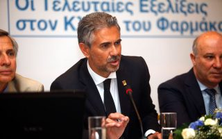 «Οι οφειλές του Δημοσίου προς τη Novartis ήταν μακράν οι υψηλότερες σε σχέση με οποιαδήποτε άλλη εταιρεία», λέει ο πρώην αντιπρόεδρος της Novartis στην Ελλάδα, Κωνσταντίνος Φρουζής.