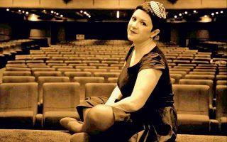 Η Βικτώρια Ταγκούλη θα παρουσιάσει, φυσικά, τραγούδια από το νέο της άλμπουμ με τίτλο «Κουκίδα».