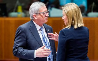 Από τα Σκόπια θα ξεκινήσει την περιοδεία του ο Ζαν-Κλοντ Γιούνκερ. Μαζί του η εκπρόσωπος για θέματα Εξωτερικής Πολιτικής Φεντερίκα Μογκερίνι.