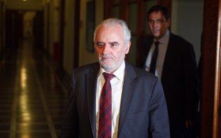 Ο υπουργός Εργασίας Γιώργος Κουρτρουμάνης προσέρχεται στη συνεδρίαση του υπουργικού συμβουλίου στη Βουλή, την τελευταία πριν τις εκλογές της επομένης Κυριακής, Τετάρτη 2 Μαϊου 2012. ΑΠΕ - ΜΠΕ/ΑΠΕ - ΜΠΕ/Αλέξανδρος Μπελτές