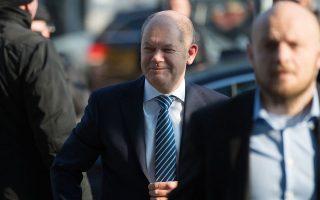 Αναλαμβάνοντας το χαρτοφυλάκιο των Οικονομικών, ο Σοσιαλδημοκράτης Ολαφ Σολτς θα έρθει σύντομα αντιμέτωπος με τις προσδοκίες των εταίρων της Γερμανίας για χαλάρωση της λιτότητας στην Ευρωζώνη.