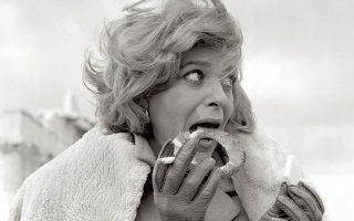 Η Μελίνα Μερκούρη στο διάλειμμα ενός γυρίσματος που έκανε στην Ακρόπολη για το BBC. Δυσκολεύτηκε να την πείσει  να του επιτρέψει να τη φωτογραφίσει.