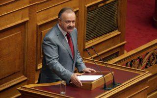 O υπουργός Επικρατείας Δημήτρης Σταμάτης μιλά στην Ολομέλεια της Βουλής, στη σημερινή συζήτηση σχετικά με την πρόταση για διενέργεια δημοψηφίσματος  για τη ΔΕΗ, Παρασκευή 11 Ιουλίου 2014. ΑΠΕ - ΜΠΕ/ΑΠΕ - ΜΠΕ/Αλέξανδρος Μπελτές