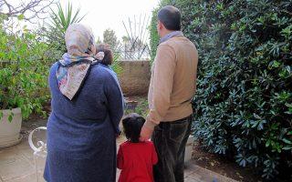 Η τετραμελής οικογένεια των Τούρκων πολιτών στο διαμέρισμα που νοικιάζει στην Αθήνα.