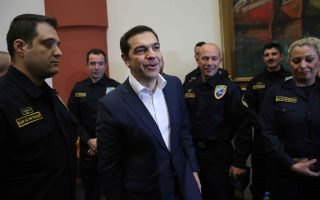 tsipras-ston-kyverniti-toy-gaydos-edeixes-psychraimia-kai-ayto-einai-gennaiotita0