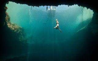 Ομορφες εικόνες από τον μαγευτικό θαλάσσιο κόσμο, τον οποίο ο Ζακ Μαγιόλ, ο άνθρωπος που ενέπνευσε το «Απέραντο γαλάζιο», γνώρισε όσο ελάχιστοι.
