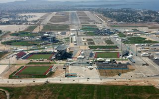 Μαίνεται άγρια κόντρα για τα διοικητικά όρια 300 στρεμμάτων στο πρώην αεροδρόμιο του Ελληνικού μεταξύ των δήμων Ελληνικού-Αργυρούπολης και Αλίμου.