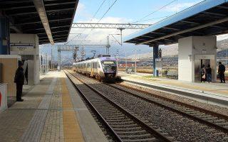 Η ΤΡΑΙΝΟΣΕ, θυγατρική εταιρεία της Ferrovie dello stato Italiane, χρειάζεται την Ελληνική Εταιρεία Συντήρησης Σιδηροδρομικού Τροχαίου Υλικού (ΕΕΣΣΤΥ) και το αντίστροφο.