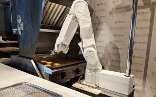 Ο «Φλίπι» είναι ένας «έξυπνος» ρομποτικός βραχίονας έξι αξόνων που καταλήγει σε μια σπάτουλα.
