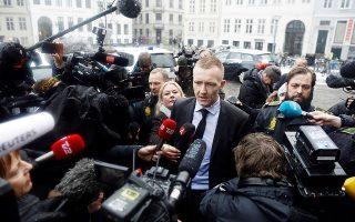 Ο εισαγγελέας Γιάκομπ Μπουχ Γέπσεν φθάνει στο δικαστήριο της Κοπεγχάγης για την έναρξη της δίκης του Μάντσεν.