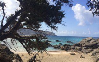 (H παραλία Κεδρόδασος, στο νοτιοδυτικό άκρο της Κρήτης)