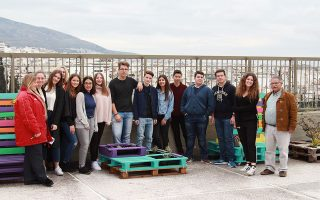 Για τους μαθητές του 17ου Λυκείου Αθηνών το σχολείο είναι ένας ευχάριστος χώρος, που επηρεάζει θετικά την ψυχολογία τους και τις επιδόσεις τους.
