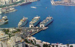 Κατά το 2017, το μεγαλύτερο μέρος της καθαρής κερδοφορίας του 2016 και περί το 25% με 30% των κερδών προ φόρων, τόκων και αποσβέσεων (EBITDA) των τεσσάρων μεγάλων, δηλαδή των Attica Group, Hellenic  Seaways, Minoan Lines και ΑΝΕΚ, εξανεμίστηκε σε καύσιμα.
