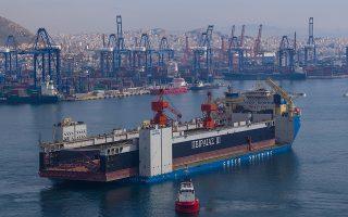 Ο ΟΛΠ ανακοίνωσε ότι κατέπλευσε στο λιμάνι η νέα πλωτή δεξαμενή «Πειραιάς ΙΙΙ», ανυψωτικής ικανότητας 22.000 τόνων, η οποία μπορεί να εξυπηρετήσει πλοία μήκους μέχρι 240 μέτρων και μεταφορικής ικανότητας έως 80.000 τόνων (Panamax).