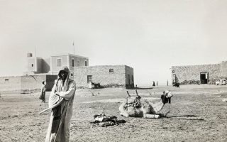 Στον δρόμο προς το Σινά, Αίγυπτος 1929/1933 (Roussen Collection/Saint Catherine Foundation).