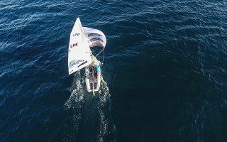 Οι ολυμπιονίκες Τάκης Μάντης και Παύλος Καγιαλής «σύστησαν», χθες, το νέο τους σκάφος, την «Ανατολή».