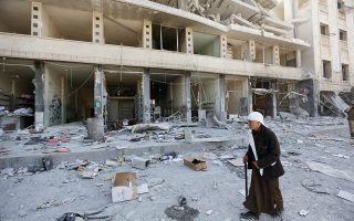Κατεστραμμένο κτίριο στο Αφρίν χθες, μία μέρα μετά την κατάληψη της πόλης.