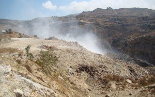 Η χωματερή της Ανδρου έχει κλείσει από το 2011 και έκτοτε το νησί «δεματοποιεί» όλα τα απορρίμματα που παράγει.