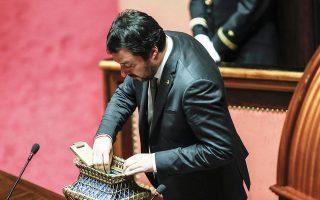 Ο ηγέτης της Λέγκας του Βορρά, Ματέο Σαλβίνι, ψηφίζει (το περασμένο Σάββατο) για την ανάδειξη προέδρου της Βουλής.