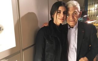 Η Λίλα Μπουτάρη με τον παππού της Γιάννη Μπουτάρη.