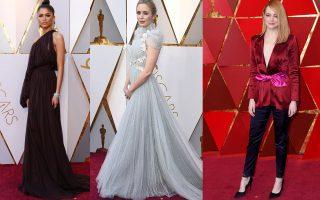 Η Zendaya με Giambattista Valli couture και κοσμήματα Bulgari, η Emily Blunt με τουαλέτα Schiaparelli σε βικτωριανό στυλ. και η Emma Stone με Louis Vuitton.