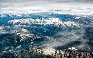 Το ψηλότερο βουνό των Άλπεων, το Mont Blanc, ορθώνεται στα 4.808 μ. από την επιφάνεια της θάλασσας.