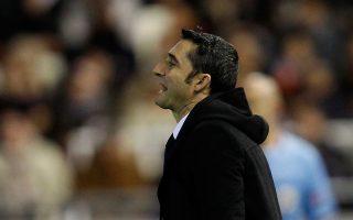 Ο πρώην προπονητής του Ολυμπιακού αποδεικνύεται σπουδαίος καπετάνιος για το καταλανικό... υπερωκεάνιο του παγκοσμίου ποδοσφαίρου.