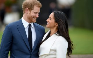 epa06382770 YEARENDER 2017 NOVEMBERBritain's Prince Harry pose with Meghan Markle during a photocall after announcing their engagement in the Sunken Garden in Kensington Palace in London, Britain, 27 November. Clarence House earlier 27 November 2017 announced the engagement of Prince Harry to Meghan Markle. 'His Royal Highness the Prince of Wales is delighted to announce the engagement of Prince Harry to Ms Meghan Markle. The wedding will take place in Spring 2018. Further details about the wedding day will be announced in due course.' the statement said.  EPA/FACUNDO ARRIZABALAGA