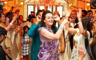 Γλέντι με άρωμα Bollywood στον ινδικό γάμο που έγινε το 2017 στο ξενοδοχείο Grand Bretagne. (Φωτογραφία:© ΚΑΤΕΡΙΝΑ ΚΑΜΠΙΤΗ)