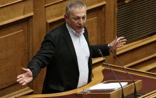 Ο κοινοβουλευτικός εκπρόσωπος του ΚΚΕ Θανάσης Παφίλης μιλάει από το βήμα της Ολομέλειας της Βουλής, Αθήνα, Τρίτη 28 Μαρτίου 2017. Συζητείται σήμερα η πρόταση ΣΥΡΙΖΑ και ΑΝΕΛ για τη συγκρότηση Ειδικής Κοινοβουλευτικής Επιτροπής Προκαταρκτικής Εξέτασης για τον Γιάννο Παπαντωνίου. Η πρόταση κατατέθηκε μετά από τις ποινικές δικογραφίες που διαβιβάστηκαν στη Βουλή και αφορούν στον πρώην υπουργό Εθνικής Άμυνας Γιάννο Παπαντωνίου, σχετικά με την ενδεχόμενη τέλεση των αδικημάτων της απιστίας στρεφόμενης κατά του Δημοσίου και της νομιμοποίησης εσόδων από εγκληματική δραστηριότητα, κατά την άσκηση των καθηκόντων του, στο πλαίσιο σύναψης συμβάσεων εξοπλιστικών προγραμμάτων του υπουργείου Εθνικής Άμυνας και σύμφωνα με τα διαλαμβανόμενα στην πρόταση. ΑΠΕ-ΜΠΕ/ΑΠΕ-ΜΠΕ/ΣΥΜΕΛΑ ΠΑΝΤΖΑΡΤΖΗ