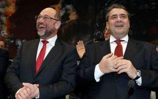 Σε περίπτωση συμμετοχής του Κινήματος Αλλαγής σε κυβέρνηση μόνο με τη Ν.Δ., θα είχε την ίδια μοίρα με τους Γερμανούς Σοσιαλδημοκράτες (στη φωτ.  οι Μάρτιν Σουλτς και Ζίγκμαρ Γκάμπριελ), θεωρεί πρώην υπουργός του ΠΑΣΟΚ.