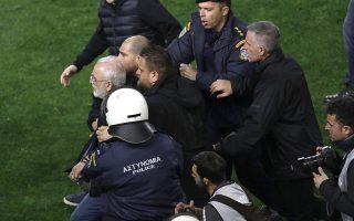 Ο ΠΑΟΚ θεωρείται υπαίτιος της διακοπής του αγώνα και κινδυνεύει με μηδενισμό και αφαίρεση βαθμών τόσο από το τρέχον όσο και από το επόμενο πρωτάθλημα. Ο κ. Σαββίδης αντιμετωπίζει τιμωρία απαγόρευσης εισόδου στους αγωνιστικούς χώρους από τρία έως πέντε χρόνια και πρόστιμο.
