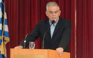(Ξένη δημοσίευση)  Ο αναπληρωτής υπουργός Εσωτερικών και Διοικητικής Ανασυγκρότησης αρμόδιος για θέματα Προστασίας του Πολίτη Νίκος Τόσκας απευθύνει χαιρετισμό κατά τη διάρκεια της τελετή απονομής στην Αττική, την Παρασκευή 1 Δεκεμβρίου 2017.  Απονομή πτυχίων στους 91 απόφοιτους του Τμήματος Επαγγελματικής Μετεκπαίδευσης Επιτελών Στελεχών (Τ.Ε.Μ.Ε.Σ.) της Ελληνικής Αστυνομίας, σε Αττική και Βέροια. Στην τελετή απονομής στην Αττική, τα πτυχία στους απόφοιτους Αξιωματικούς, απένειμε ο υπουργός Προστασίας του Πολίτη Νικόλαος Τόσκας, ενώ χαιρετισμό απηύθηνε και ο Αρχηγός της Ελληνικής Αστυνομίας, Αντιστράτηγος Κωνσταντίνος Τσουβάλας. Στην αντίστοιχη τελετή στη Βέροια, τα πτυχία απένειμε ο Γενικός Επιθεωρητής Αστυνομίας Βορείου Ελλάδος, Αντιστράτηγος Χρήστος Δραγατάκης. Σάββατο 2 Δεκεμβρίου 2017..ΑΠΕ ΜΠΕ/ΥΠΟΥΡΓΕΙΟ ΠΡΟΣΤΑΣΙΑΣ ΤΟΥ ΠΟΛΙΤΗ/STR