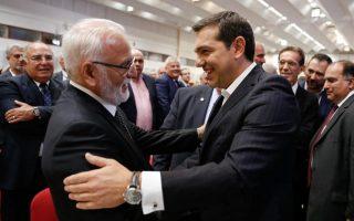 spiegel-tsipras-kai-savvidis-ofeiloyn-polla-o-enas-ston-allo0