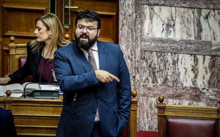 Βουλευτές υπέρ Σαββίδη – Υπουργός εναντίον όλων