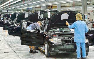 Οι δηλώσεις του ηγέτη της Κίνας περί μείωσης δασμών και στα εισαγόμενα αυτοκίνητα ενίσχυσαν τους κλαδικούς δείκτες της αυτοκινητοβιομηχανίας, όπως ο SXAP στην Ευρώπη, που χθες έκλεισε με κέρδη 1,9%. Σημαντική άνοδο κατέγραψαν οι μετοχές των BMW, VW και Daimler.