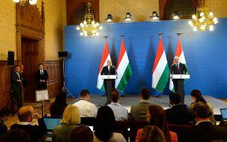 O Oύγγρος πρωθυπουργός Βίκτορ Ορμπαν κατά την πρώτη συνέντευξη Τύπου μετά τις εκλογές.