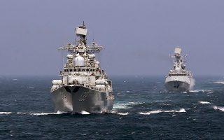 Σινορωσική ναυτική άσκηση το 2014 στη θάλασσα της ανατολικής Κίνας.