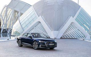Εντυπωσιακό, υποδειγματικά άνετο, σύγχρονο και hi-tech είναι μερικά μόνο από τα χαρακτηριστικά που «χάρισαν» την παγκόσμια διάκριση στο νέο Audi Α8.