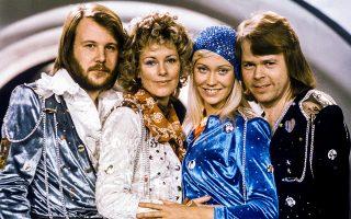 Ιστορικές στιγμές 2. Ερχονται! Σχεδόν 4 δεκαετίες έχουν περάσει από την διάλυση του συγκροτήματος των ABBA και οι φαν τους ακόμη απορούν για την διάλυσή τους. Οχι πια. Η είδηση  βόμβα είναι ότι το  γκρουπ είναι πάλι μαζί και μάλιστα έχει έτοιμα ηχογραφημένα τραγούδια. Olle Lindeborg/TT News Agency/via REUTERS