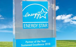 Nissan North America has been recognized by the U.S. Environmental Protection Agency with the 2018 ENERGY STAR¨ Partner of the Year Ð Sustained Excellence Award. This marks the seventh consecutive year EPA has recognized Nissan for its continued commitment to reducing greenhouse gas emissions and improving energy management at its U.S. facilities.