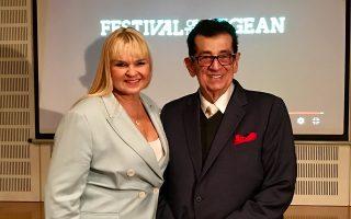 Ο μουσικός και παραγωγός Πίτερ Τιμπόρις με τη σύζυγό του, σοπράνο Εϊλάνα Λαπαλάινεν, χθες στο Μέγαρο Μουσικής Αθηνών.