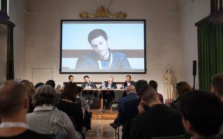 Ο Αλέξιος Μαντζαρλής, επικεφαλής του International Fact-Checking Network, μιλάει για τις ψευδείς ειδήσεις σε πρόσφατο συνέδριο στην Ιταλία.