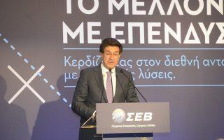 Ο πρόεδρος του ΣΕΒ αναφέρθηκε ενδεικτικά σε εσωτερική έρευνα μελών του ΣΕΒ, στην οποία οι σχεδιαζόμενες επενδύσεις εκτιμώνται  σε 16 δισ. ευρώ την επόμενη τετραετία.